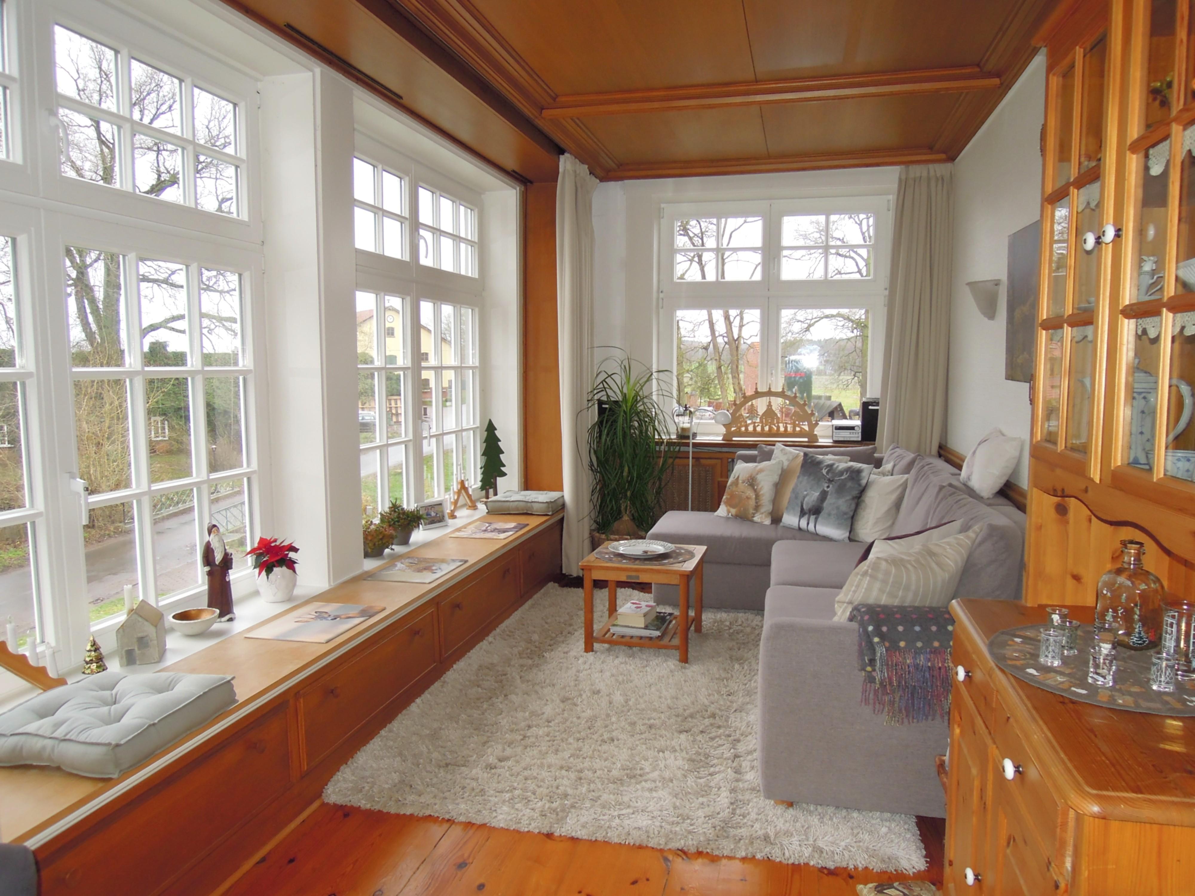 charmante 3 zi whg mit kamin wintergarten bei. Black Bedroom Furniture Sets. Home Design Ideas